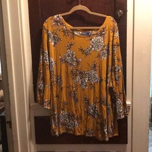 Beautiful floral blouse 4X